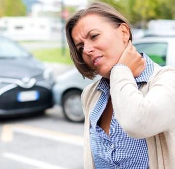 Foto de accidente de auto con lesión menor